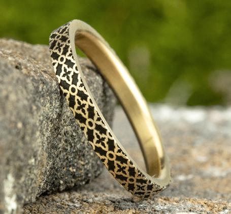 Ring THE DAHLIA