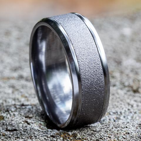 Ring THE BRAVO