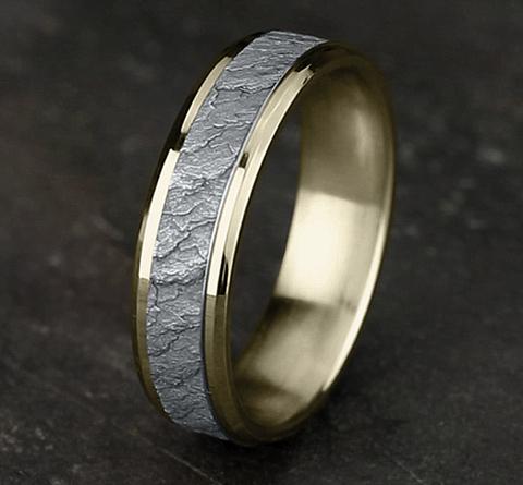Ring THE VESUVIUS