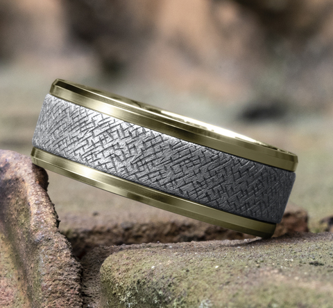 Ring THE ENGRAVER