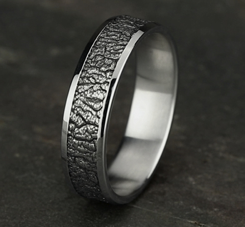 Ring THE LINDEN