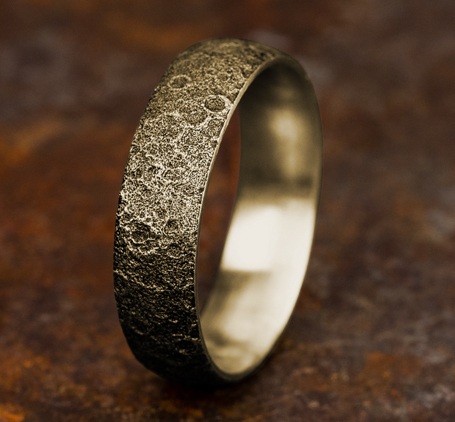 Ring THE APOLLO